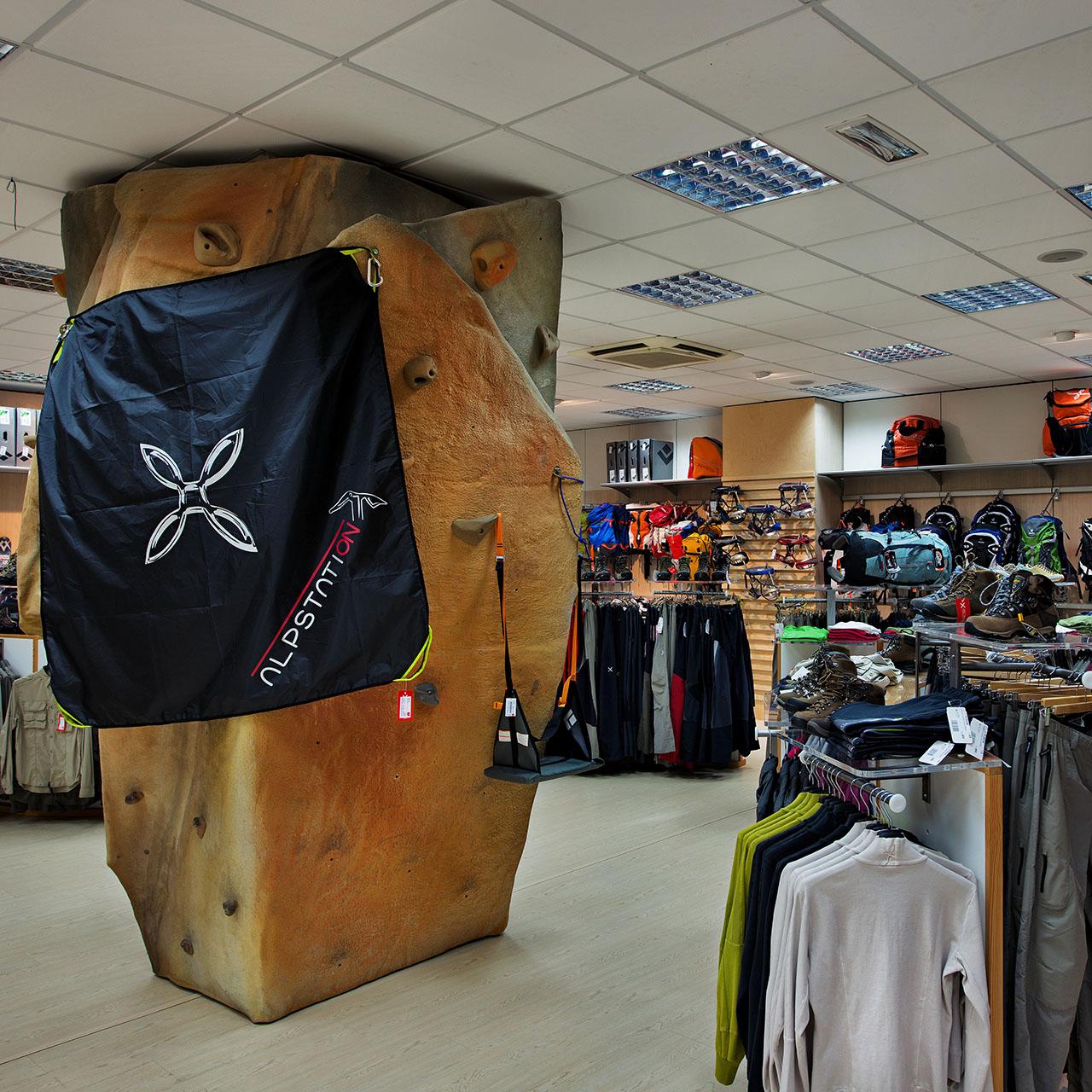 Montura Store Alpstation Sarzana