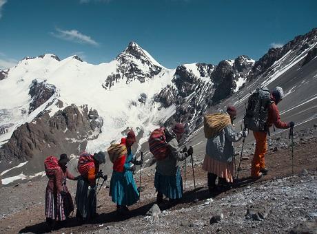 """Al film """"Cholitas"""" tre premi alla 68^ edizione del Trento Filmfestival"""